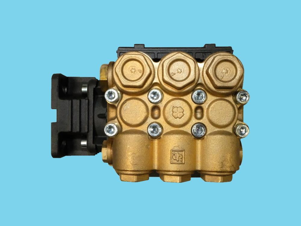 Pumpe WW907C messing recht